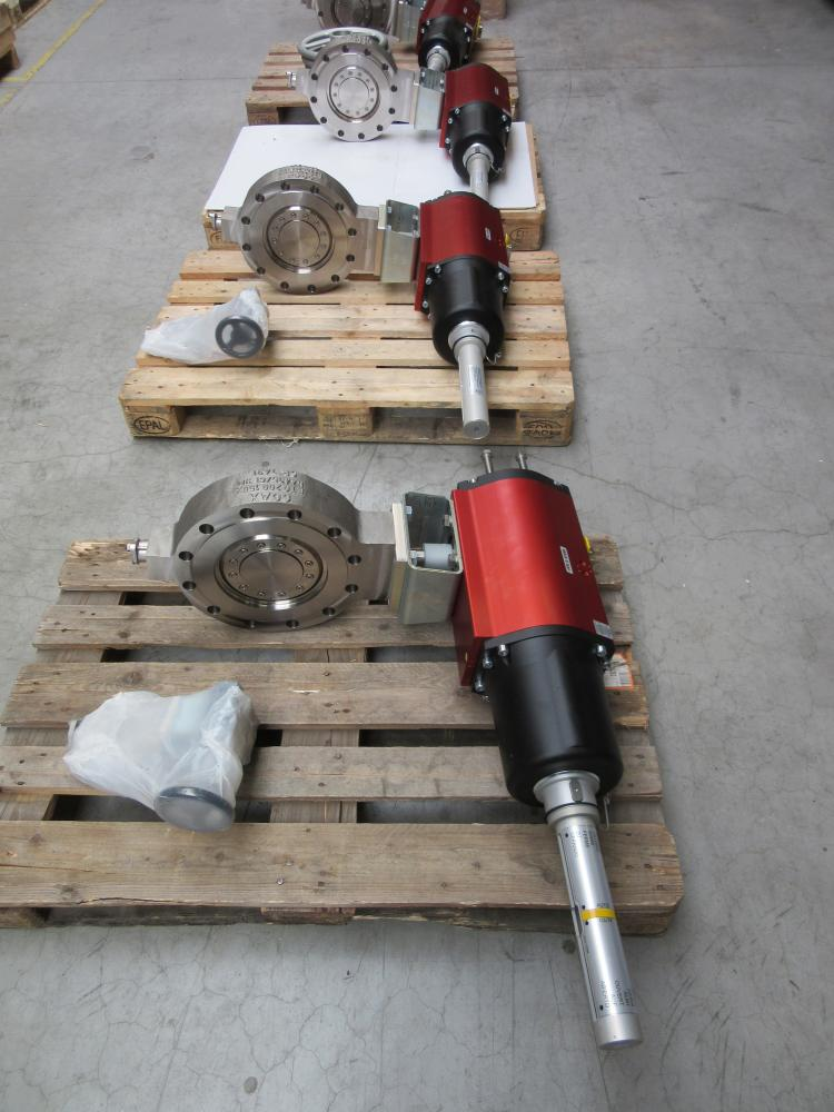 QUADAX valves DN 50 & DN200 PN25 in stainless steel 1 4435 with
